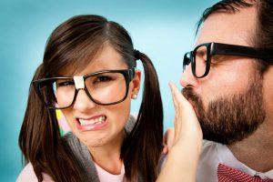 Несвежее дыхание – причина дискомфорта окружающих и появления комплексов у человека, который страдает от плохого запаха изо рта