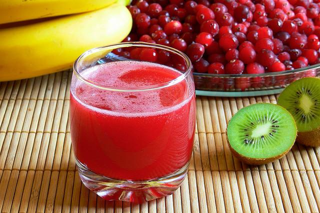 Трудно переоценить пользу для организму человека, которую несет в себе маленькая красная ягода
