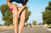 Sore knee when bending and straightening – what it means, how to treat?