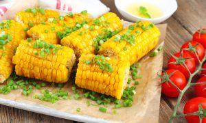 Кукуруза - полезный продукт в диете для похудения. Важно только соблюдать меру, учитывать калорийность продукта