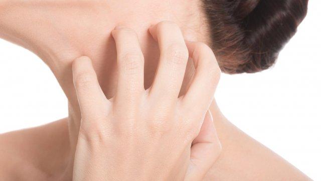 Негативные реакции на прием Лазолвана носят обратимый характер и не требуют дополнительных терапевтических мер