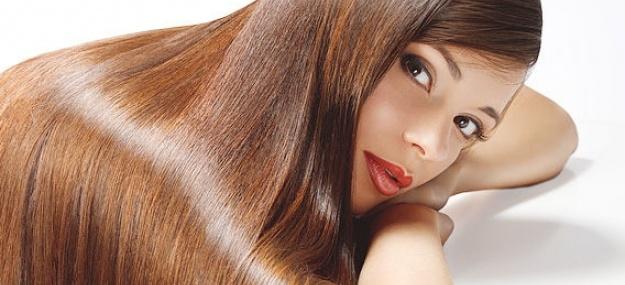 В подавляющем большинстве случаев наиболее эффективными от выпадения волос являются именно домашние средства, приготовленные из природных компонентов