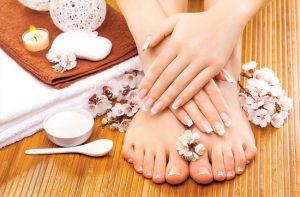 Регулярно используя нехитрые домашние рецепты, можно привести ногти в идеальное состояние - сделать их крепкими и здоровыми