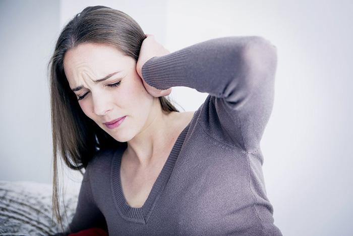 Капли Отипакс - это популярное и эффективное средство, которое используют при боли в ушах