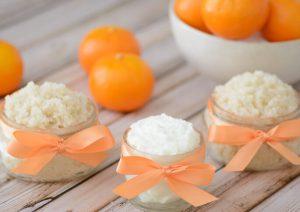 Эффективный и полезный для кожи скраб запросто можно сделать своими руками из натуральных продуктов
