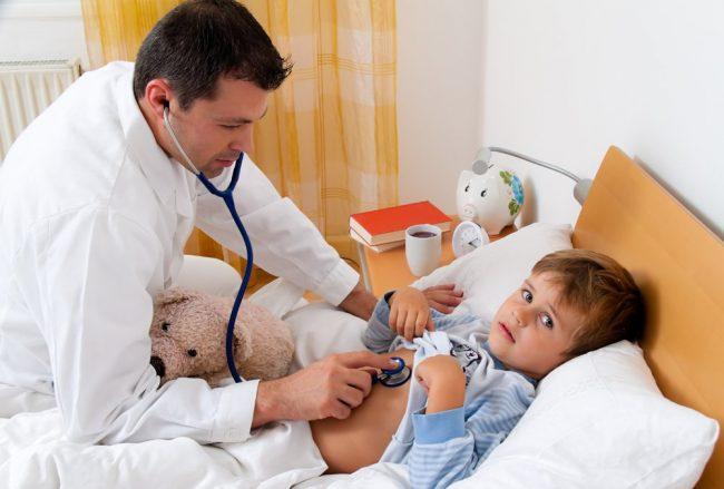 Необходимо показать ребенка врачу, если температура без симптомов продолжает сохраняться в течение 4 – 5 дней. Возможно, это признак наличия в организме ребенка воспалительных процессов