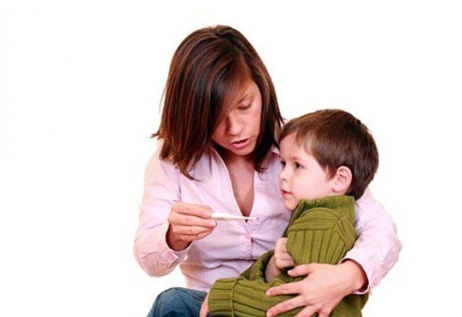 Стоит отметить, что таблетки жаропонижающего действия крайне нежелательны в раннем возрасте
