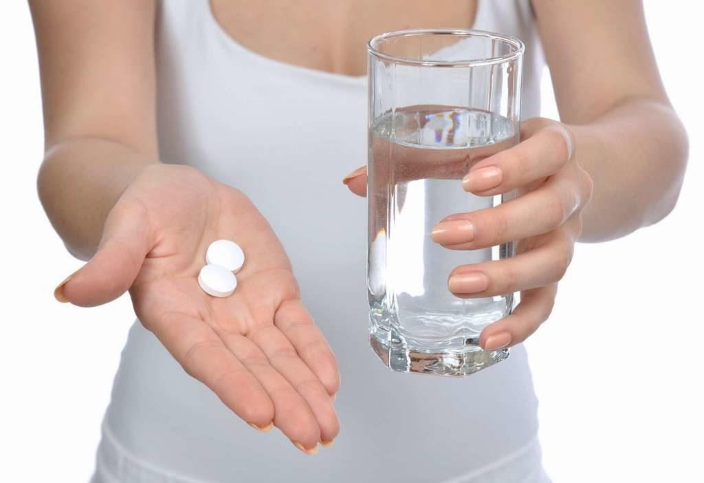 При лечении курсом дозу препарата увеличивают постепенно с 50 до 100мг в сутки.