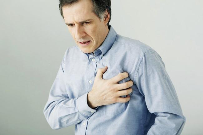Артериальная гипертензия сопровождается болями в области средца