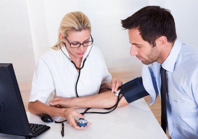 Артериальная гипертензия - сердечно-сосудистое заболевание, характеризуется повышением давления крови в большом кругу кровообращения