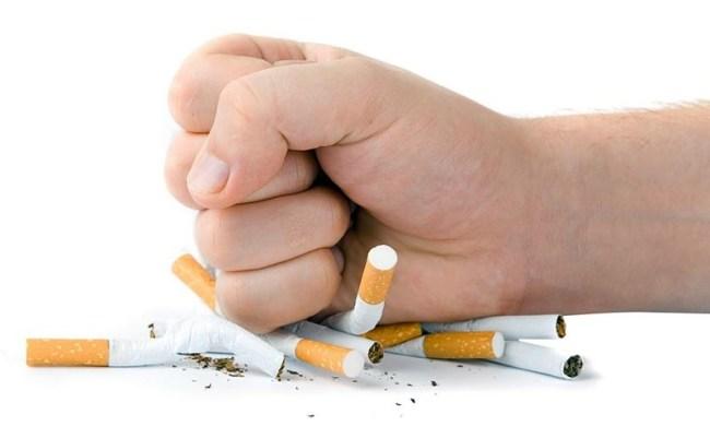 Для предотвращения болей в шее следует отказаться от курения