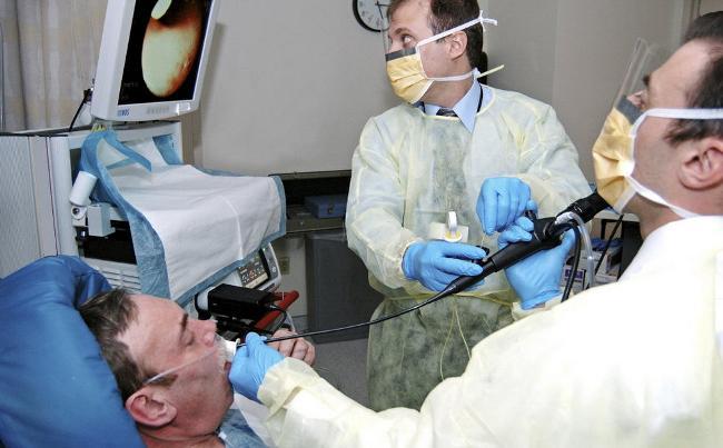 Бронхоскопия применяется далеко не при всех заболеваниях дыхательной системы, нужно ее делать или нет - должен решать врач