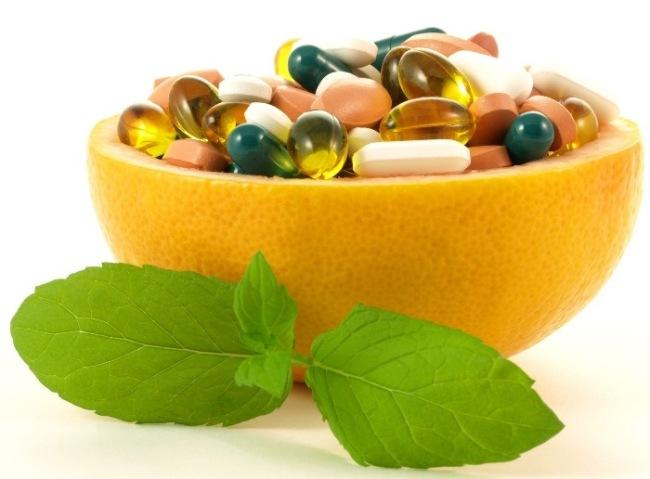 Пробиотики и пребиотики - препараты на основе живых бактерий. восстанавливающие нормальную микрофлору кишечника
