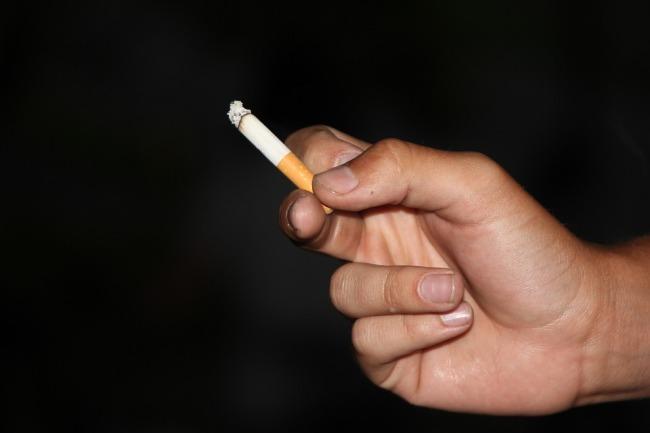 Курение может привести к развитию псориаза