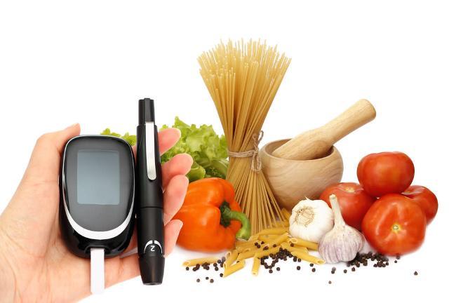 Диета при сахарном диабете подразумевает ограничение употребления углеводов