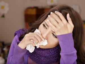 Насморк и заложенность носа - основные симптомы синусита