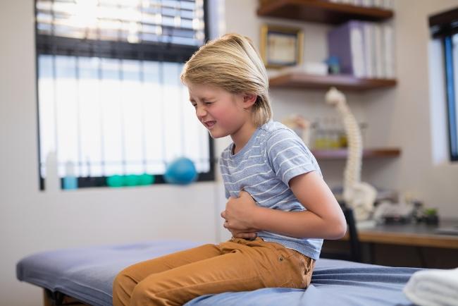 Боли в животе - побочный эффект от приема сиропа Эреспал, возникает в редких случаях