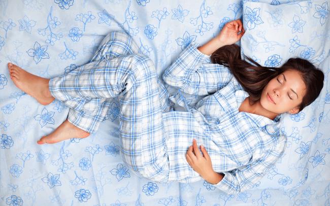 Мелаксен - эффективное снотворное средство, отправляющее принявшего его человека к быстрому сну, обеспечивает полноценное высыпание и восстановление сил.