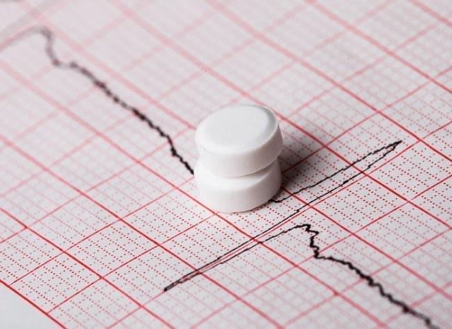 Лечение стенокардии должен назначать врач, учитывая результаты исследований