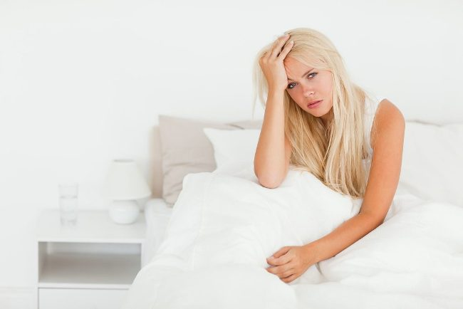 Тошнота по утрам у женщин может свидетельствовать о наступлении беременности