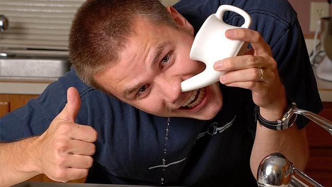 При воспалительных заболеваниях носовой полости и околоносовых пазух хороший эффект дает промывание носа Стрептококковым бактериофагом
