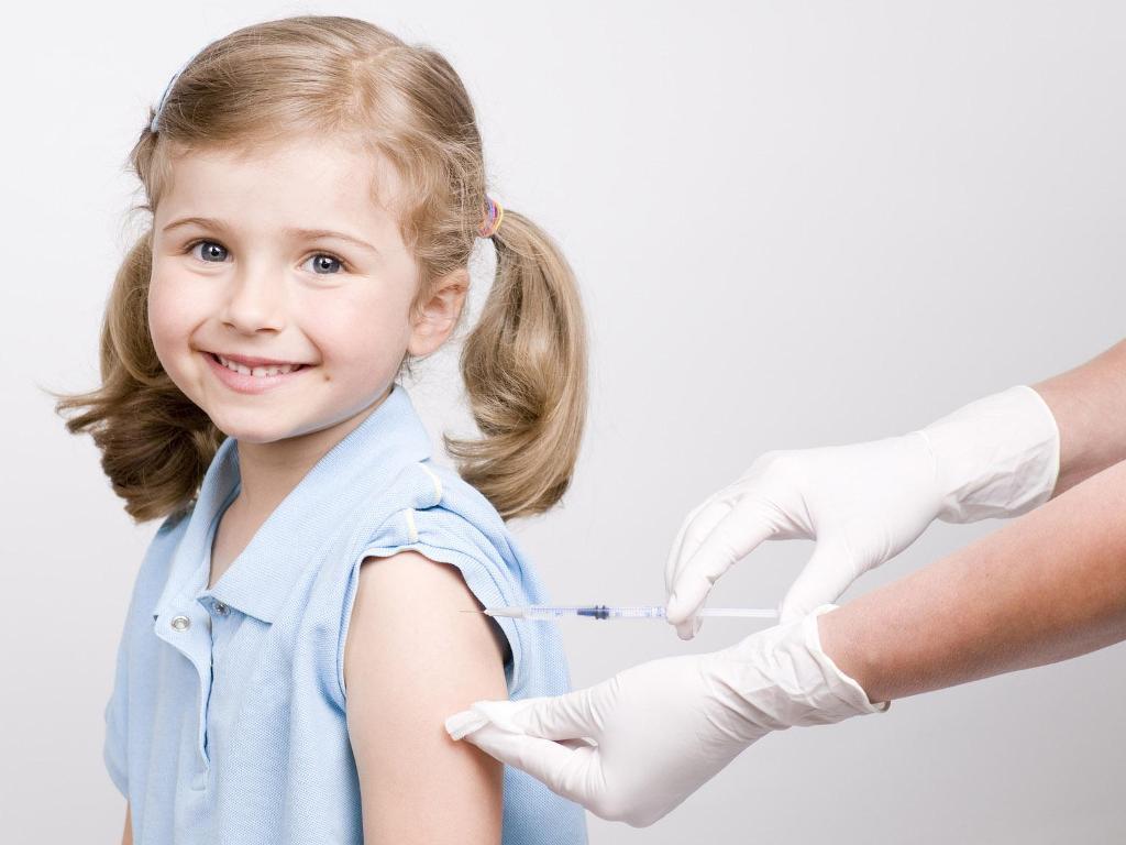 Для профилактики заболеваемости корью необходимо делать прививки