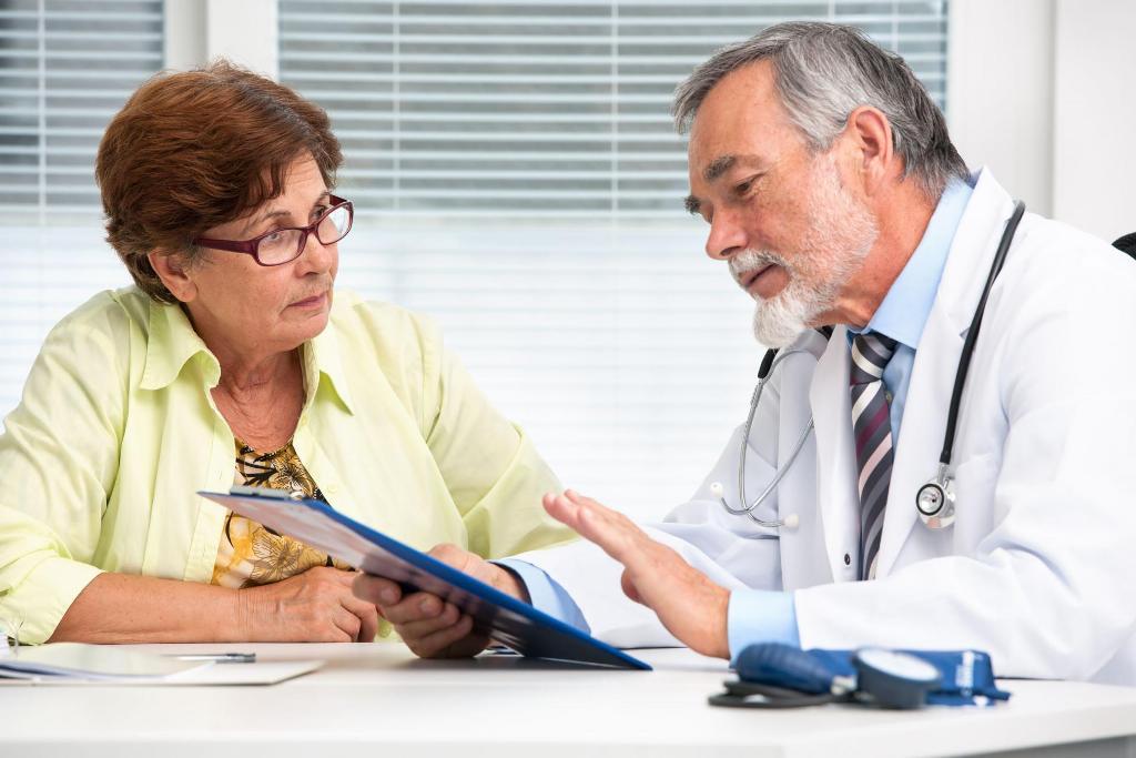 Записаться на прием к невропатологу можно через интернет или по телефону