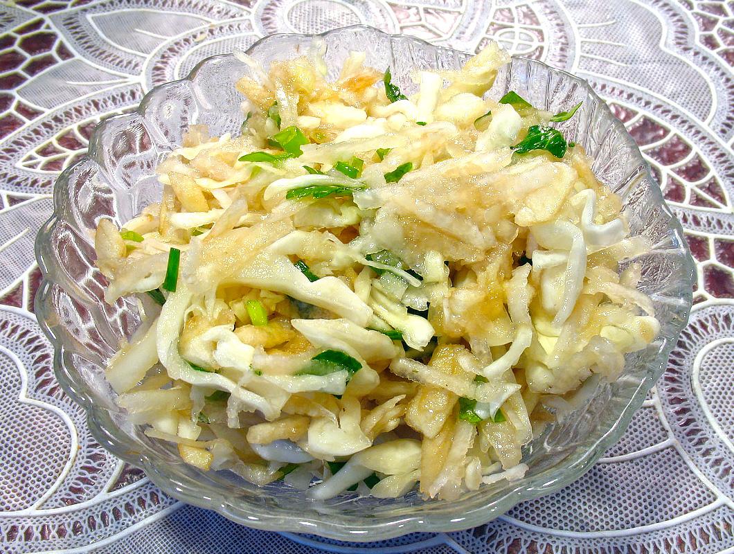 Салат из топинамбура и капусты - не только вкусное, но и полезное блюдо