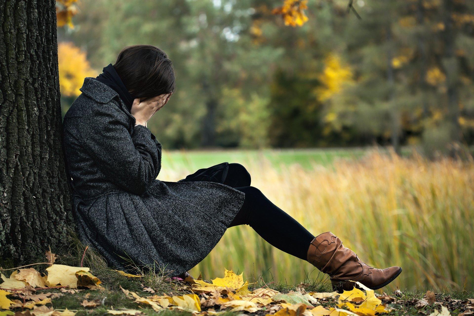 Истинную депрессию часто путают с упадком сил или просто плохим настроением