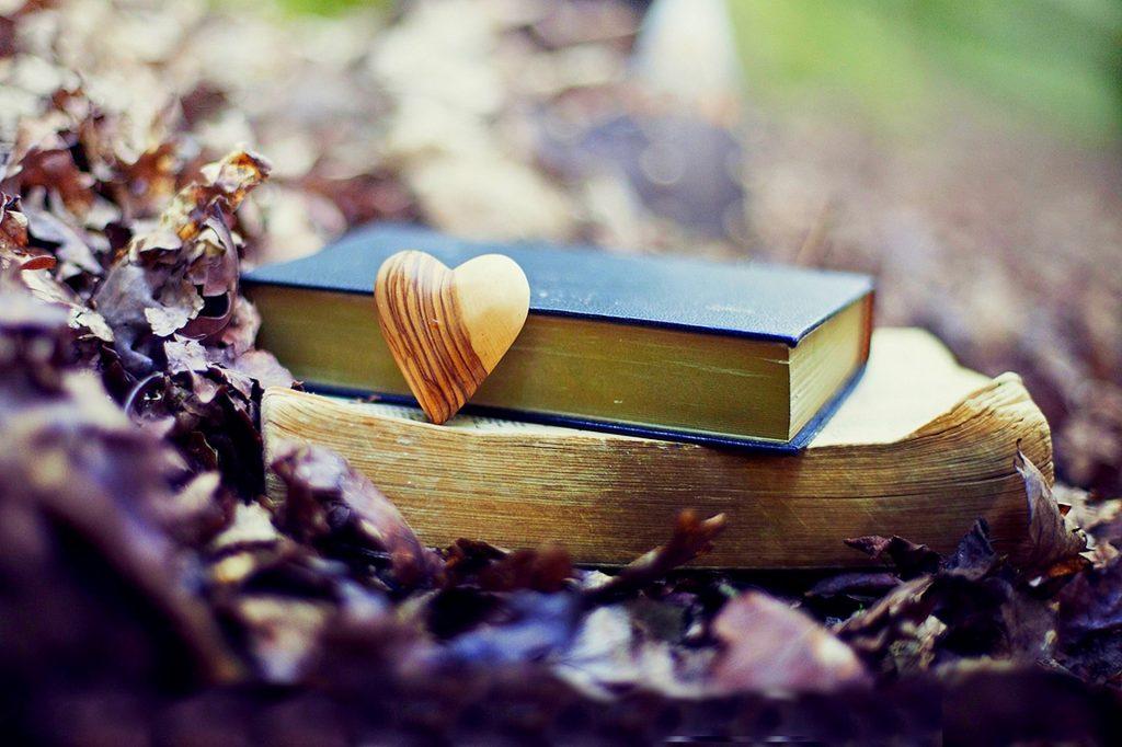 Есть множество книг, в которых можно найти полезные советы о том, как выйти из депрессии