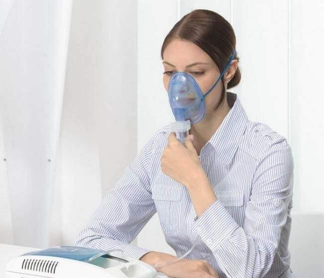 Ингаляции с ротоканом позволяют быстро побороть неприятные симптомы при кашле, насморке или боли в горле. Ингаляции помогают лечить ОРЗ, с такими симптомами как боль и сухость в горле, кашель, выделение мокроты