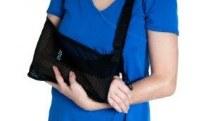 При терапевтическом лечении бурсита очень важно обеспечить покой для пострадавшей руки, чтобы не вызывать болезненные ощущения