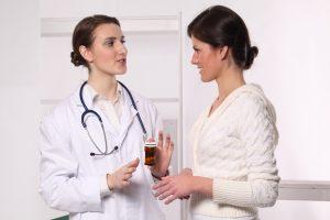 Обязательно нужно посетить врача-гинеколога и пройти осмотр