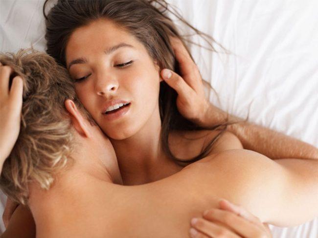 Самая распространенная среди причин жжения и зуда – ИППП – инфекции, передающиеся половым пyтем. К ним относится хламидиоз, гонорея, трихомониаз, герпес, папилломавирусная инфекция
