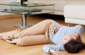 Fainting – symptoms and causes of fainting in adults and children, providing first medical care