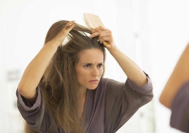 Алопеция - это заболевание, при котором выпадают волосы