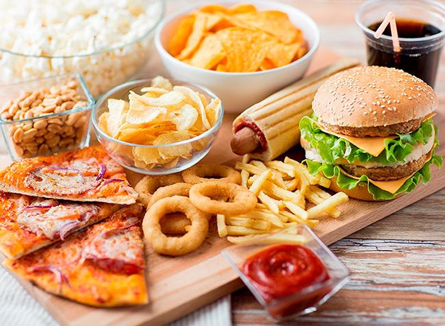 Сократить выработку фермента и значительно снизить нагрузку на органы пищеварения поможет диета и раздельное питание