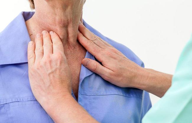 Повышенный уровень антител может стать причиной разрушения соединительной ткани щитовидки и как следствие - прекращение синтеза гормонов
