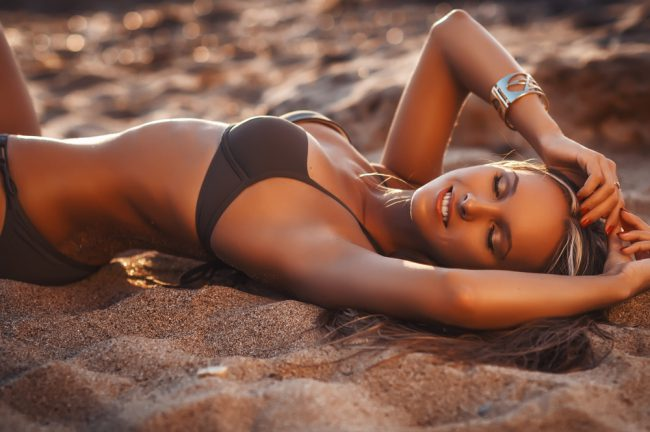 Автозагар — искусственный загар, приобретаемый кожей за счет перекрашивания верхнего слоя кожи, при этом не требуется воздействие солнечных лучей