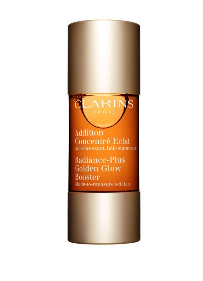 Смешайте в ладони несколько капель концентрата с вашим средством ухода Clarins и нанесите на кожу для создания эффекта естественного сияющего загара