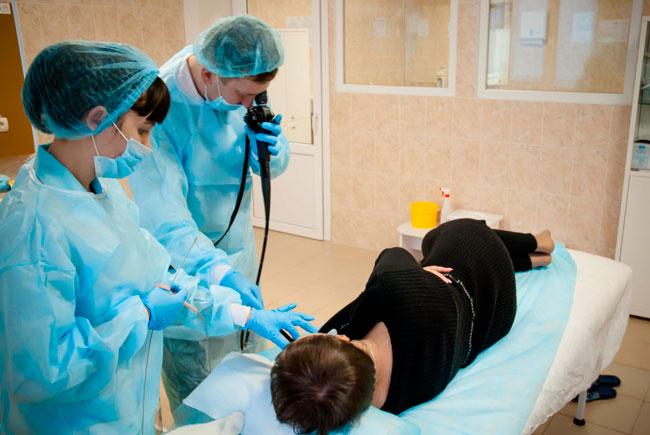 Врач может получить образец ткани для исследования разными способами, в зависимости от этого выделают биопсию бритвенную, пункционную, жидкостную, радиоволновую и др.