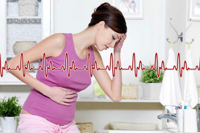 При средней и тяжелой степени болезни Крона наблюдается повышенный пульс, температура до 38 градусов, диарея шесть и более раз в сутки, в кале содержится кровь