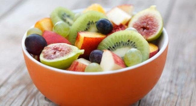 При подагре необходимо правильно питаться, употреблять фрукты