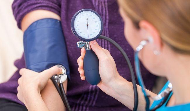 Гипертония - одна из причин боли в сердце
