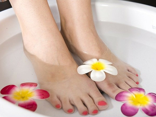 После лечебных процедур рекомендована ванночка для ног