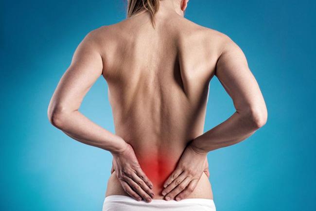 При болях в почках необходимо обратиться к врачу, так как этот признак может свидетельствовать о наличии серьезной патологии