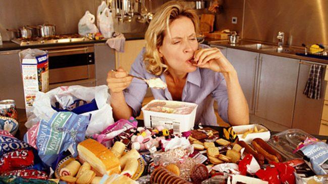 Психосоматические расстройства - одни из главных причин возникновения чрезмерной страсти к еде