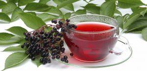 Чтобы чай стал более вкусным, но при этом не потерял своих целебных свойств, советуем добавить ложку меда в кружку