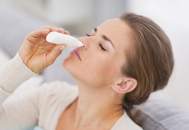 Мирамистин от насморка при беременности назначают очень часто. При этом лекарственное средство эффективно в лечении и профилактике инфекционных заболеваний и поражений иммунной системы