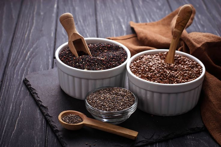 Пожалуй, многие наслышаны о лечебных свойствах такого экзотического для нашей страны продукта, как семена чиа. Как же их правильно использовать?
